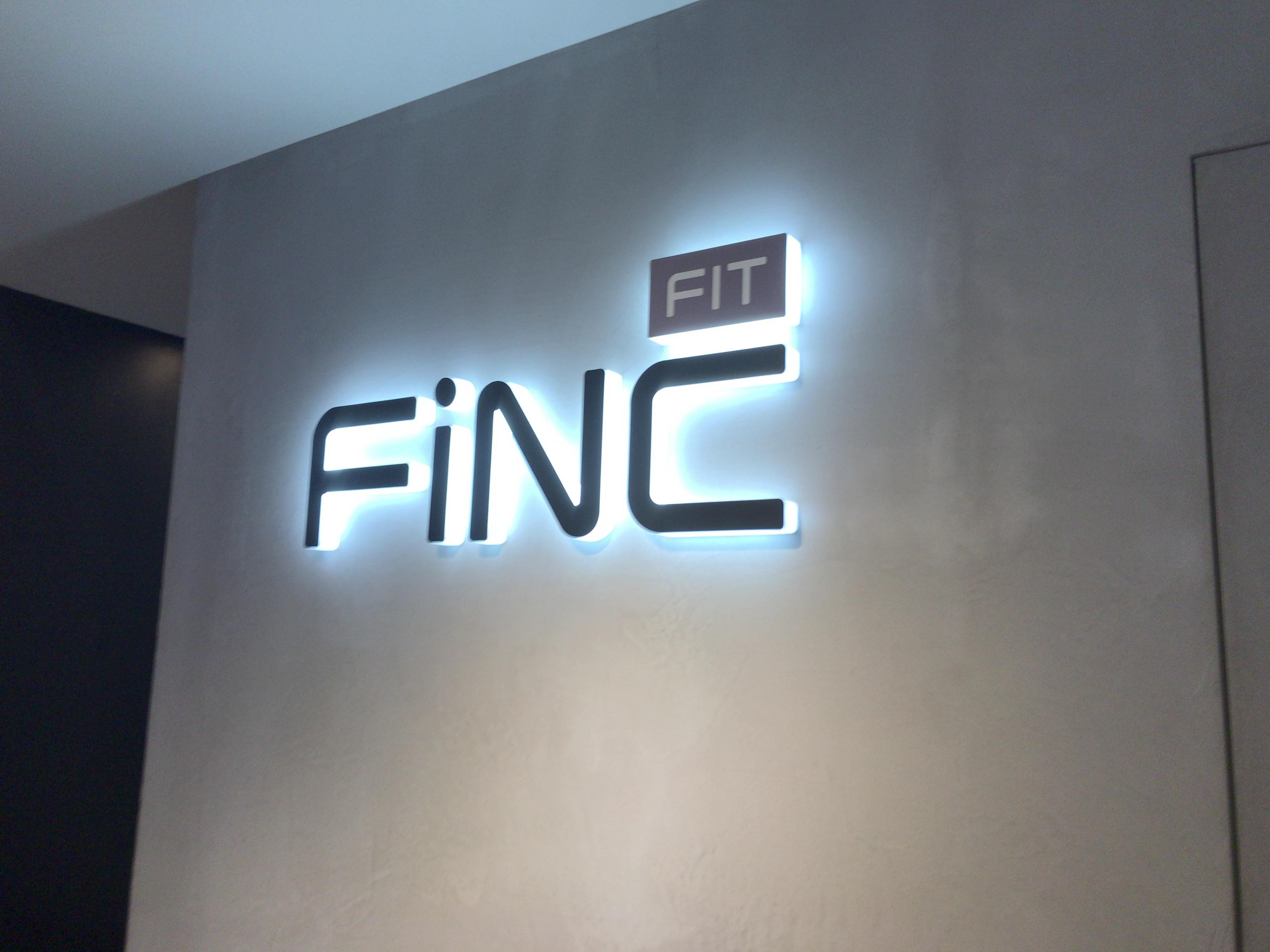 FiNC FIT(フィンクフィット)の無料体験に行って分かった、RIZAP(ライザップ)と比較した強みと弱み